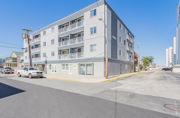 Just Listed  23 38th Street Unit 102